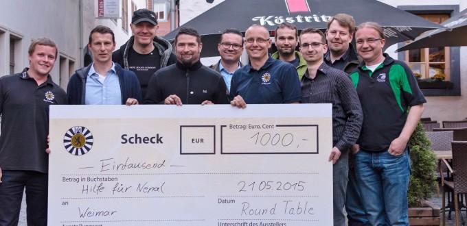 Round Table Weimar mit Scheck für Nepal-Soforthilfe